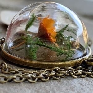Jewelry - Dried Flower in Glass Dome Pendant-fascinating NEW